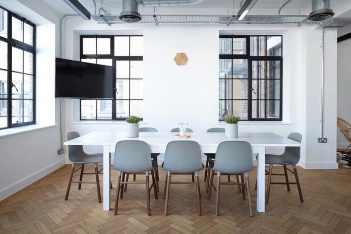 Comment déménager des meubles de bureau