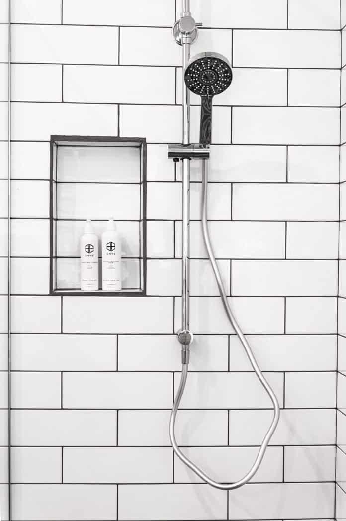 Comment prendre une douche correctement